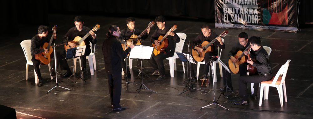 Joven Orquesta de Guitarras de El Salvador